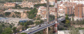 Los vecinos de Alcoy están molestos porque las obras de los puentes impiden la circulación