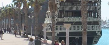 La réplica del navío 'Santísima Trinidad' ya no está en el muelle 11 del puerto de Alicante