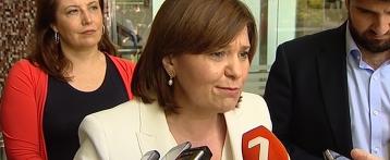 La presidenta regional del PP, Isabel Bonig, reclama un pacto nacional por el agua