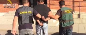 Detenido en Torrevieja por grabar a una menor en unos probadores ropa