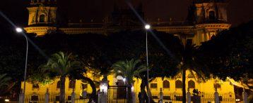 El palacio de la Diputación de Alicante se suma a la campaña de lucha contra el cáncer infantil y adolescente que promueve ASPANION