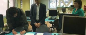 Aguas de Alicante dona 20 equipos informáticos a la Fundación 'Salud y Comunidad' para la formación de personas en riesgo de exclusión social