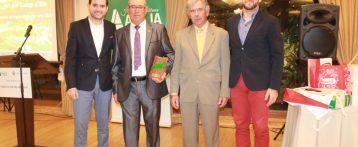 ASAJA Elche otorga el Premio Agricultor del año 2016 a Antonio Vicente Martínez por su lucha incansable por fomentar el consumo del producto local del Camp d´Elx