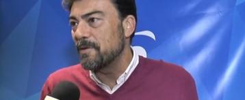 El PP denuncia que vecinos de Alicante viven sin luz mientras en el Consell se suben los sueldos