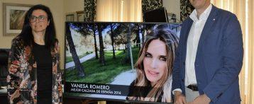 La actriz alicantina Vanesa Romero es elegida en Elda como la 'Mejor Calzada de España 2016'