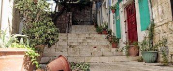 La turismofobia en Alicante la provoca el tripartito por el abandono al que somete a barrios como el de Santa Cruz