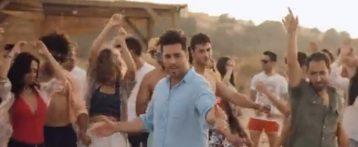 David Bustamante graba su último videoclip en la playa de «El Carabassí» de Elche
