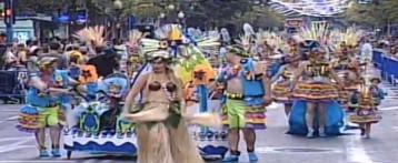 La Foguera Via Parc-Vistahermosa guanya el primer premi de la desfilada del Ninot d'Alacant